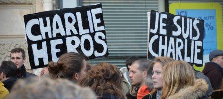 """Je Suis Charlie"" Impasse Martini Slogans"